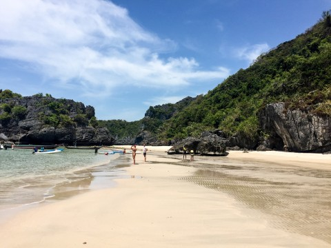 Song Pee Nong beach in Thailand | Life's Tidbits