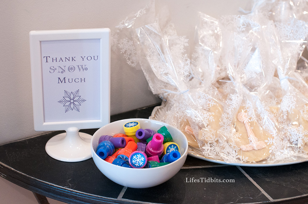 Thank You Snow Much DIY Sign, Snowflake Stamps and DIY Sugar Cookies | Life's Tidbits