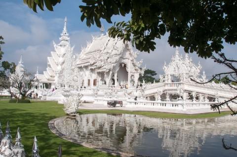 The White Temple in Chiang Rai Thailand | Life's Tidbits